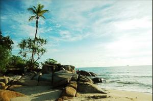 wisata bangka belitung pantai pasir padi