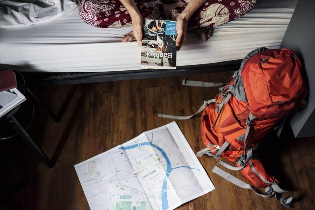 tips-backpacker-mencari-penginapan