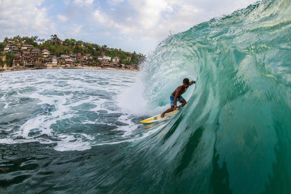 surfer-expert-pantai-bingin
