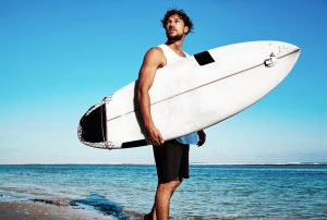wisatawan-surfing-di-pantai-medewi-bali