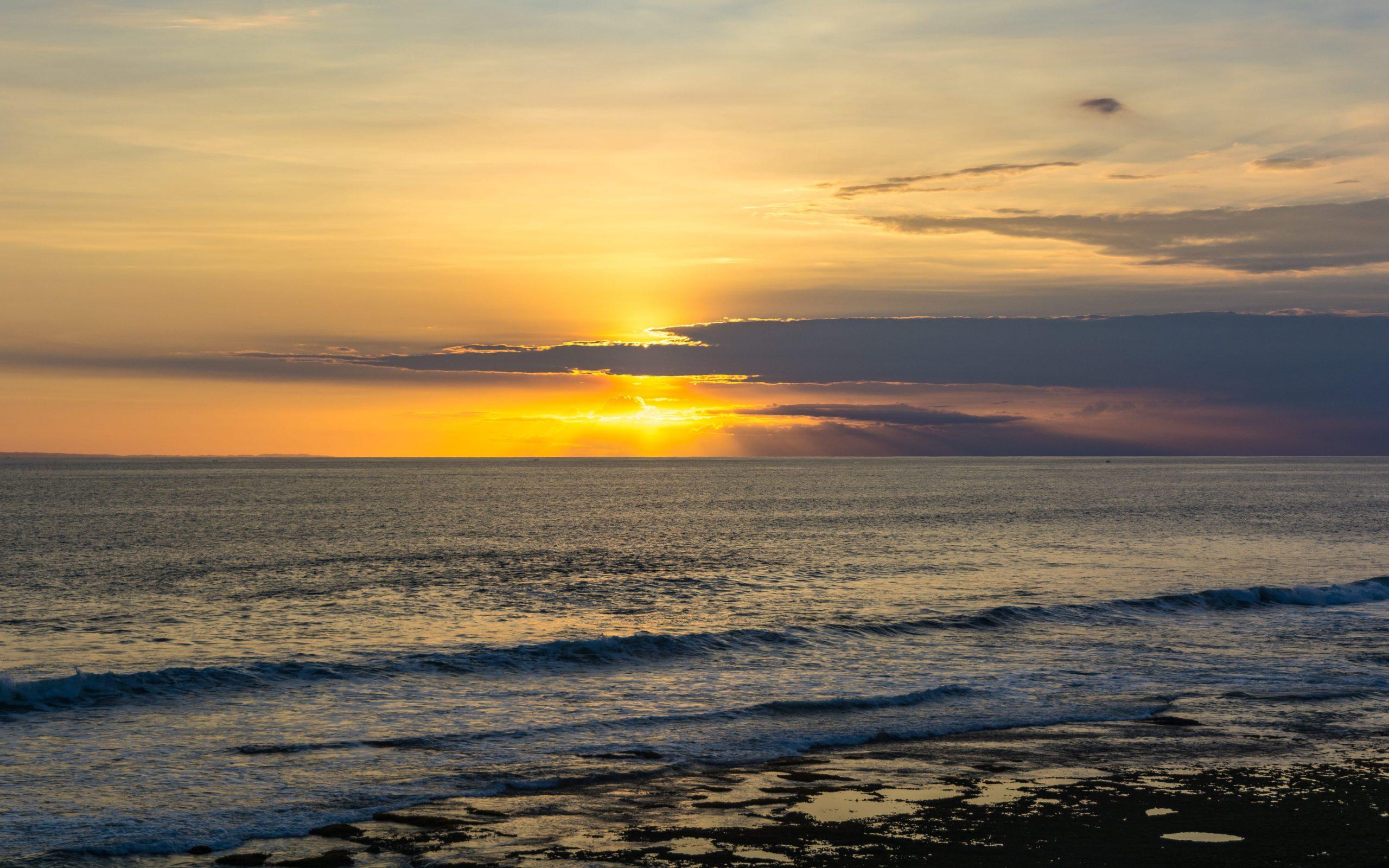 gambar-sunset-tanah-lot-bali