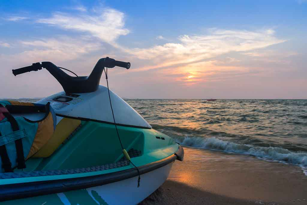 pantai-tanjung-benoa-bali-watersport