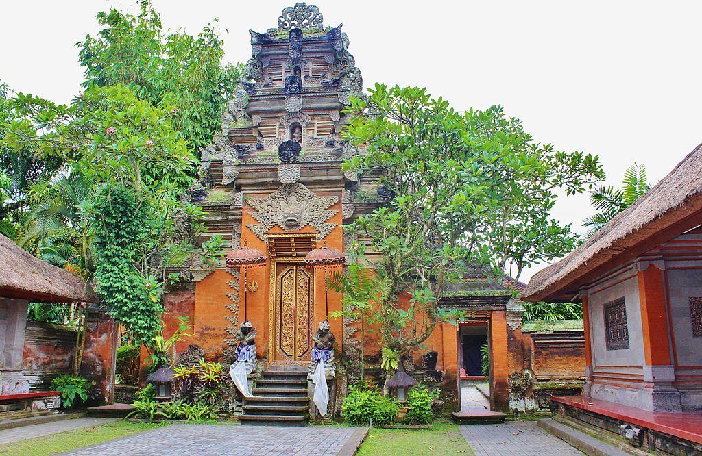 puri-saren-agung-ubud-palace