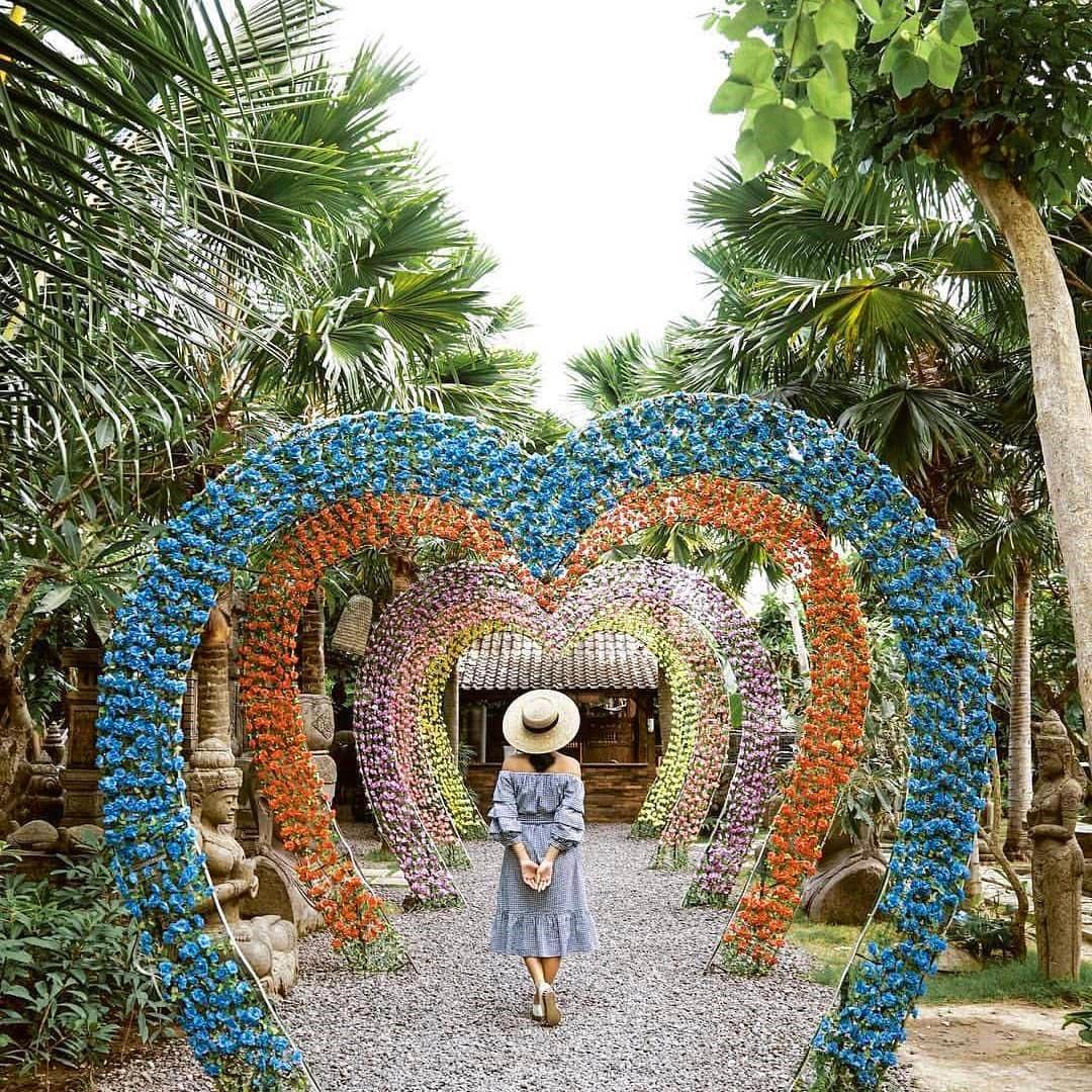 tempat-instagramable-di-denpasar-big-garden-corner-bali