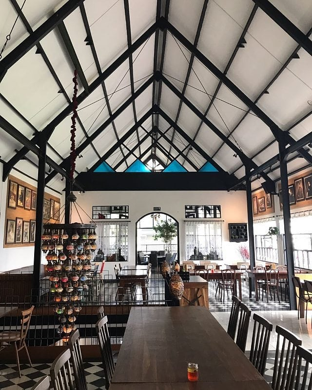 backyard-kitchen-farmhouse-lembang