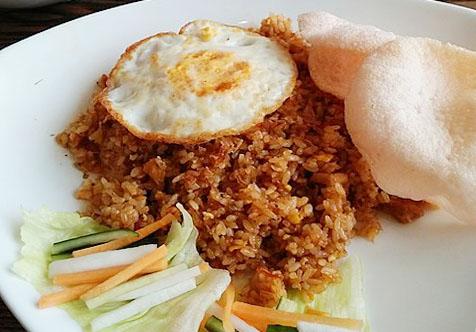 kuliner-khas-indonesia-nasi-goreng