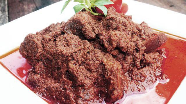makanan-khas-indonesia-rendang