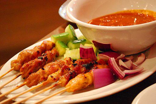 makanan-khas-indonesia-sate-ayam