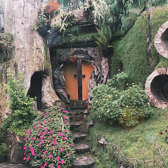 rumah-hobbit-farmhouse-lembang