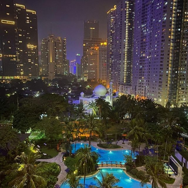 Shangri La Jakarta Hotel
