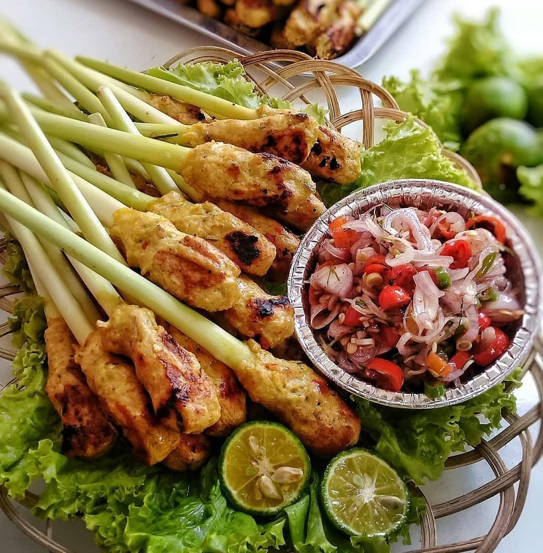 makanan-khas-bali-sate-lilit