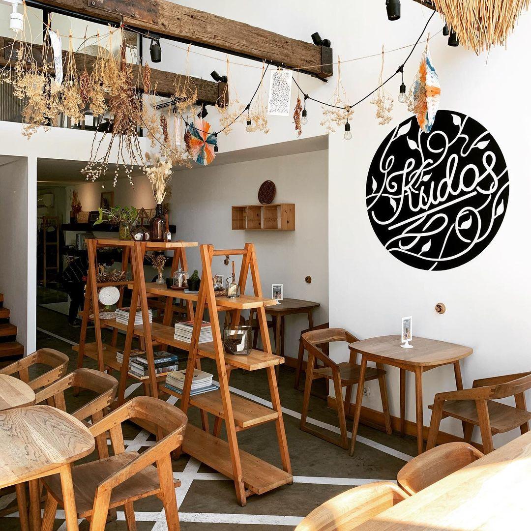 kudos-cafe-surabaya-barat
